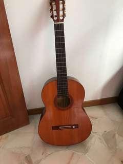 Acoustic Guitar - Yamaha CG-40