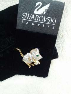 Swarovsk襟針