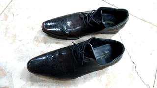 🚚 超低價再降價出清再降價義大利半尖頭黑皮鞋