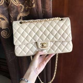 Chanel Classic Medium Flap Bag in beige lambskin