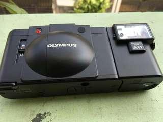 Kamera Analog Olympus XA 2 + Flash