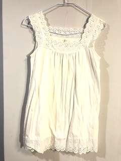 🚚 白色韓版蕾絲涼快洋裝 (S-M) 舒服好穿超夏天💛💛💛#女裝半價拉