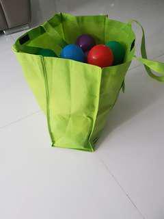 Plastic Balls 75 pcs (8cm) / 35 pcs (7 cm)