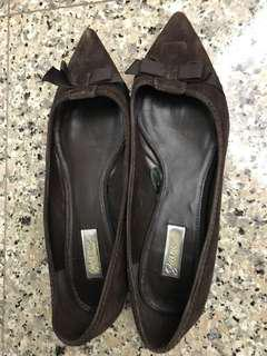 Brown Pointed-Toe Flats