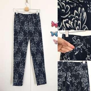 Flowery navy Pants