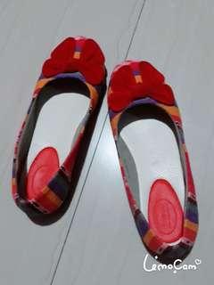 Sepatu cewek merk d.a.t indonesia