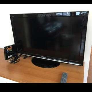 新淨Panasonics樂聲牌高清電視37吋