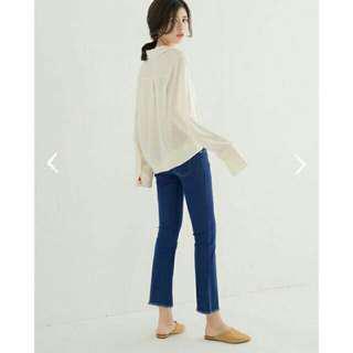 【貓咪曬月亮】絕版特價↘-抽鬚為喇叭牛仔褲(深藍M)