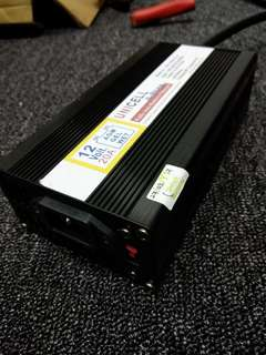 Powerful 12V 20A Battery Charger!