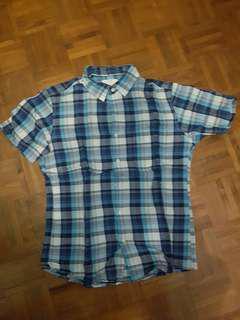 Uniqlo L (like M) Silm Fit Shirt