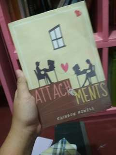 Buku Novel Spring: Attachment
