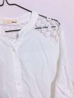 🚚 雪紡透膚碎花襯衫