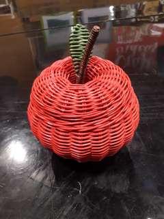 Keranjang rotan mini apel