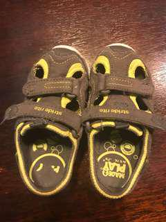 Stride rite 7w sandals / shoes