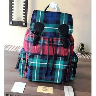 Burberry The Rucksack Backpack 多色功能性 尼龍 男女通用款 超大容量 書包 背囊 (BG23-780)