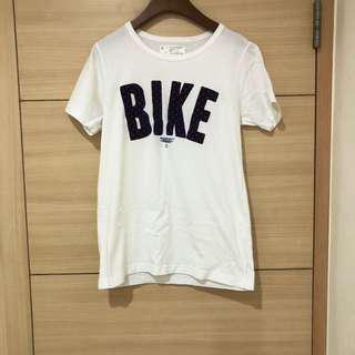 🚚 二手潮牌white chocoolate 超可愛藍底紅點BIKE字樣純棉白色短袖上衣