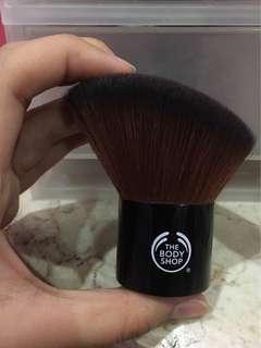 The Body Shop Slanted Kabuki Face Brush Travel Friendly