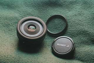 Canon EFS - 24mm F2.8 STM
