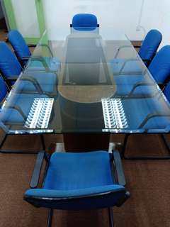 Meeting table (tampered glass) inclusive of 12 seaters