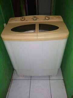 mesin cuci 2 tabung .