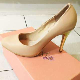 🚚 Grace Gift粉色真皮底小金標金根高跟鞋