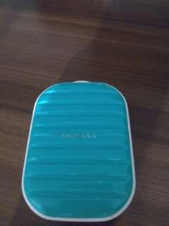 Momax 充電器 尿袋 (綠色)