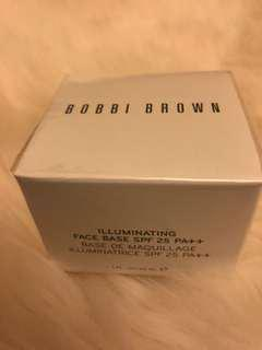 Bobbi Brown Illuminating Face Base SPF 25