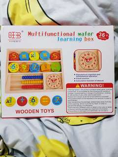 Multifunctional wafer learning box