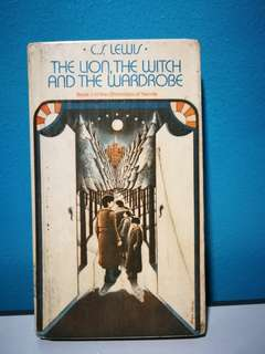 VINTAGE BOOK! The Lion, the Witch, and the Wardrobe
