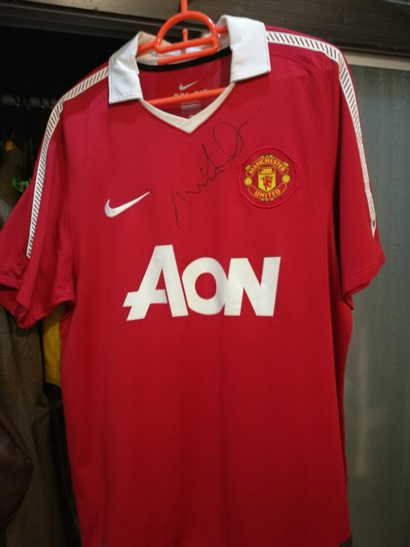 bac74b5a89d Manchester United 2010 2011 Nike Jersey Size M Signed by Andy Cole ...