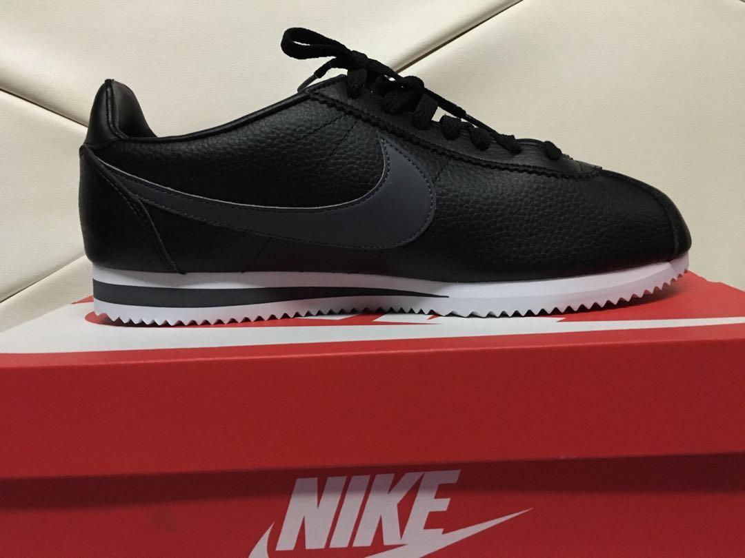 28e58658cdb070 Nike cortez