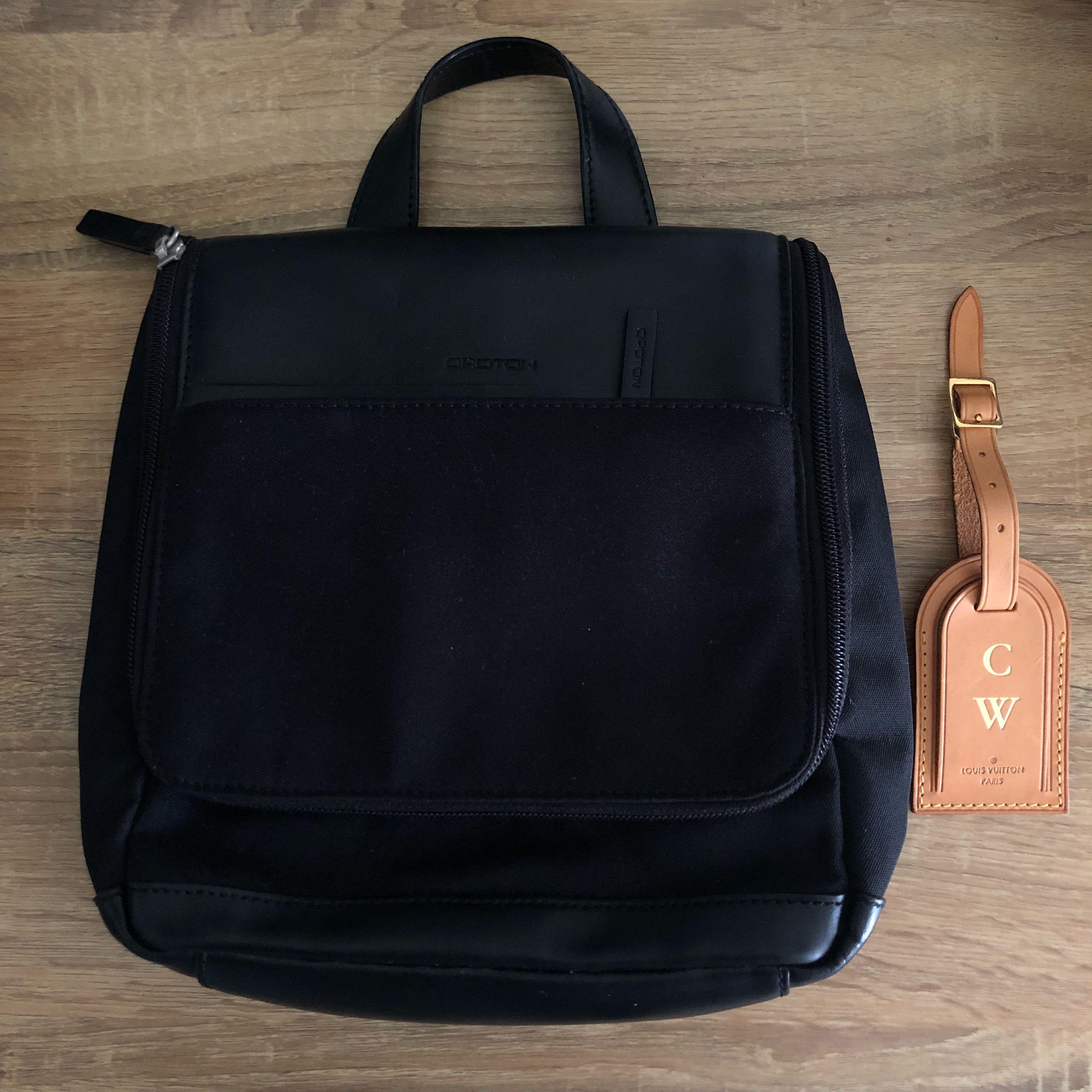 b3d8f3bbb42b Oroton BNWOT mens or womens travel toiletry bag - black leather ...