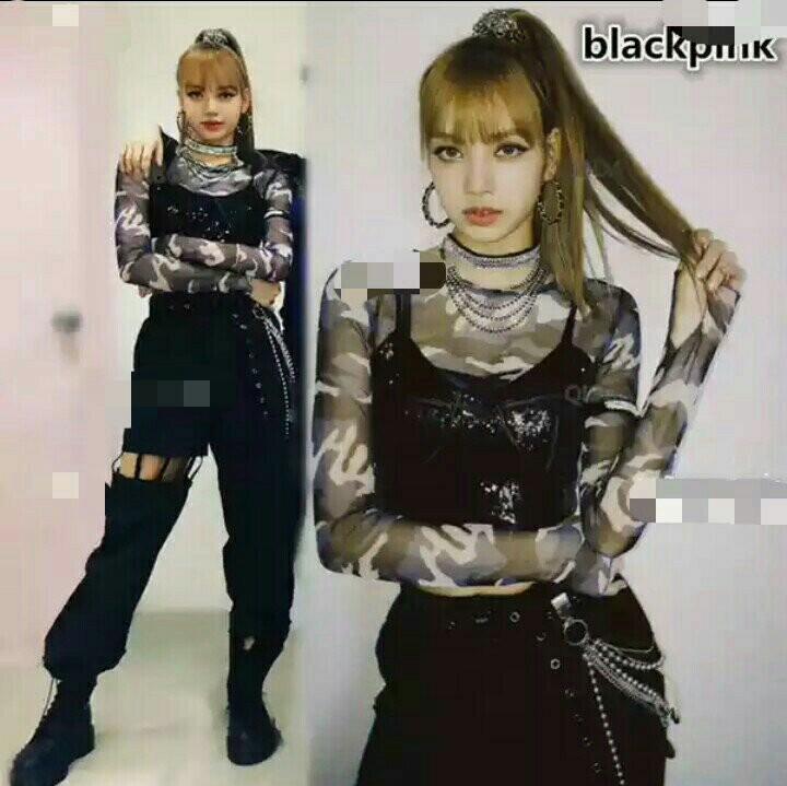 Lisa Blackpink Con Uniforme