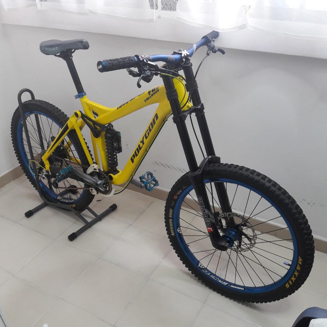 Polygon Collosus FR2 0 2011 (Freeride / Downhill bike