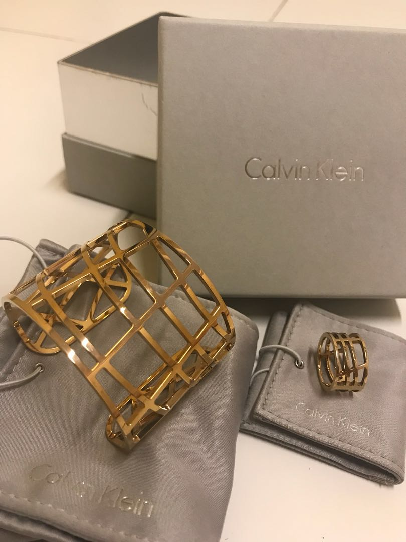 4307d1c50ccd41 $138 Calvin Klein accessories set, Luxury, Accessories, Others on Carousell
