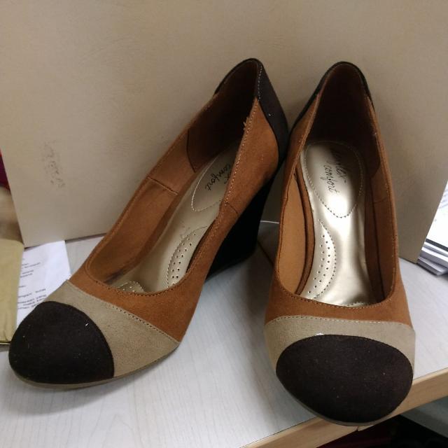 99fb7ec4774f Sepatu Wedges DEXFLEX COMFORT