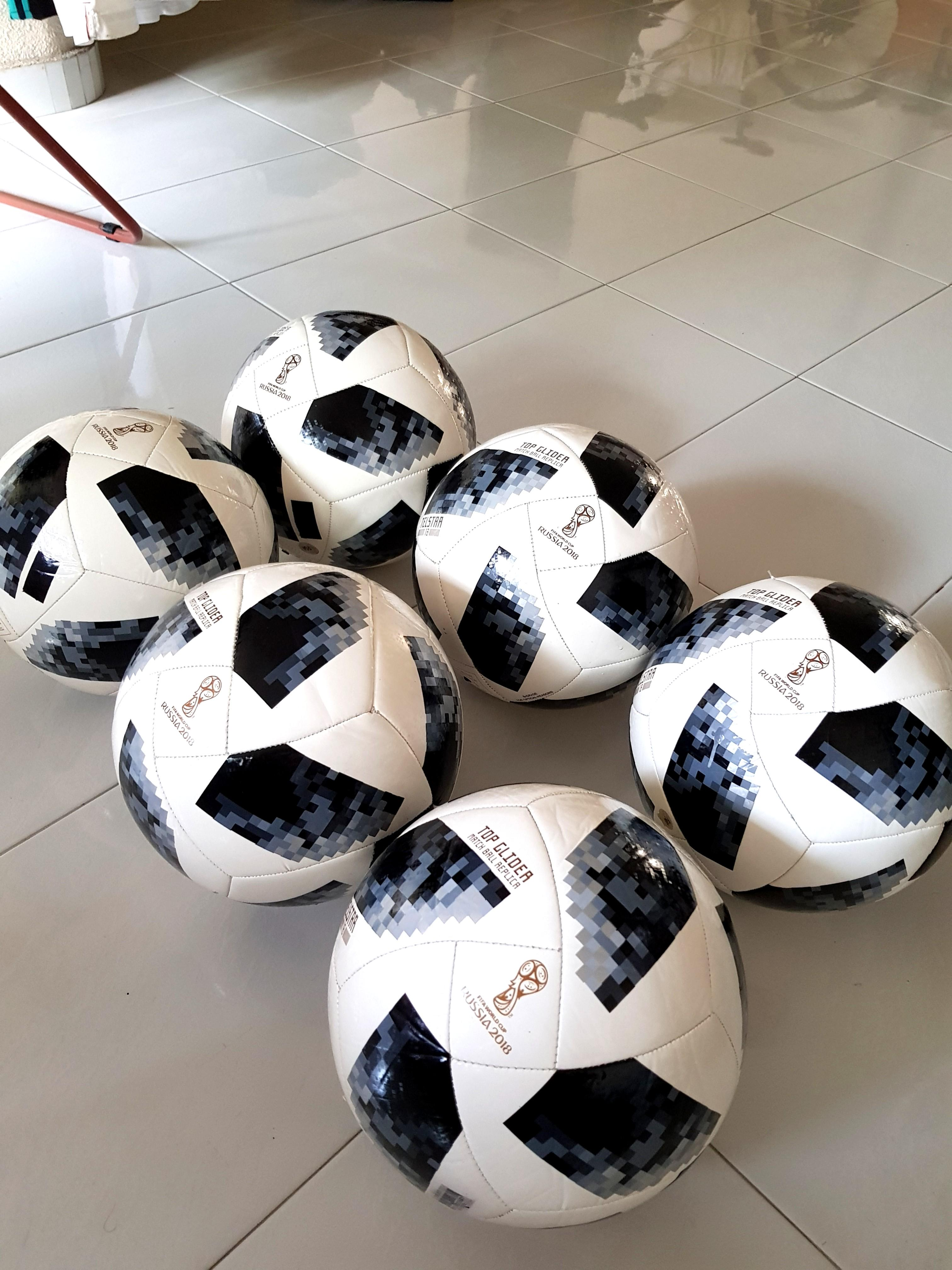 Festival Exquisito Indefinido  REJECT STOCK > ADIDAS Telstar 18 top glider Ball, Sports, Sports & Games  Equipment on Carousell