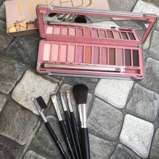 NAKED 3 Eyeshadow + FREE brush