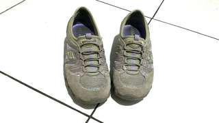Skechers shoes (100rb 3)