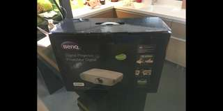 BenQ W2000 Home Full HD 1080P projector