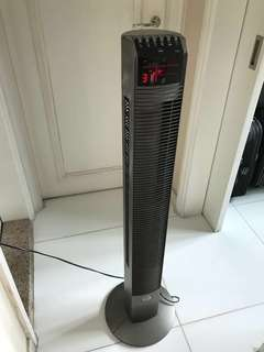 直立式風扇 Tower Fan