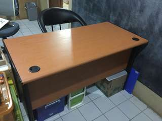Home and office computer table