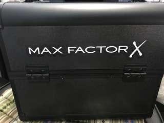 14件化妝品連箱。Max Factor 全新