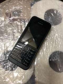 諾基亞 Nokia 手機一部