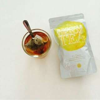 Slimming & Detox Tea by Medina Desire
