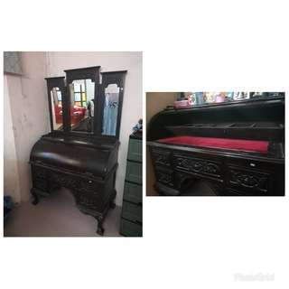 Antique Make Up Table With Shutter