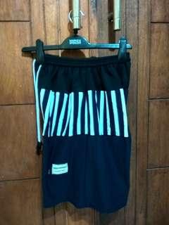 Promo celana pendek pria XL 4pcs