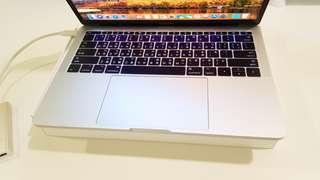 🚚 2016 Macbook Pro 13吋 8G/256G 銀色 整台跟新的一樣 有盒裝配件 一轉多埠轉接頭 無TB版本