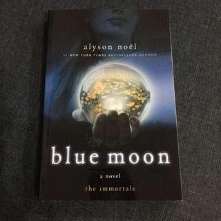 📚 Blue Moon - Alyson Noël