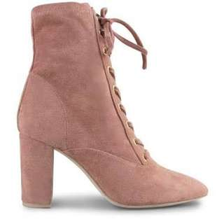 Witness suede pink lace up boots REP$200